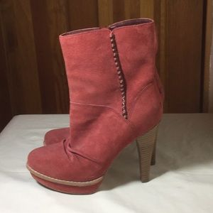 UGG's, Mauve color, Never worn.